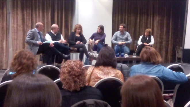 Segunda mesa: Alipio Gutiérrez, Vicente Baos, Maria Eugenia Miranda, Kritin Suleng, Luis Miguel Pérez y Paloma Luis